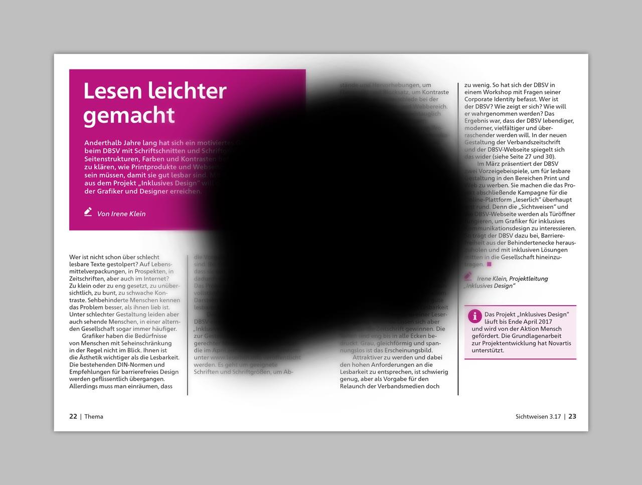 Eine Doppelseite der Zeitschrift »Sichtweisen«. In der Bildmitte ist ein großer schwarzer Fleck zu sehen, der circa zwei Drittel der Doppelseite verdeckt. Um den Fleck herum ist der Inhalt der Doppelseite verschwommen.